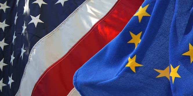 eu-us-flags